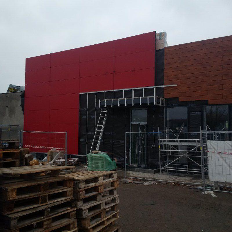 KFC rekonstrukce budovy