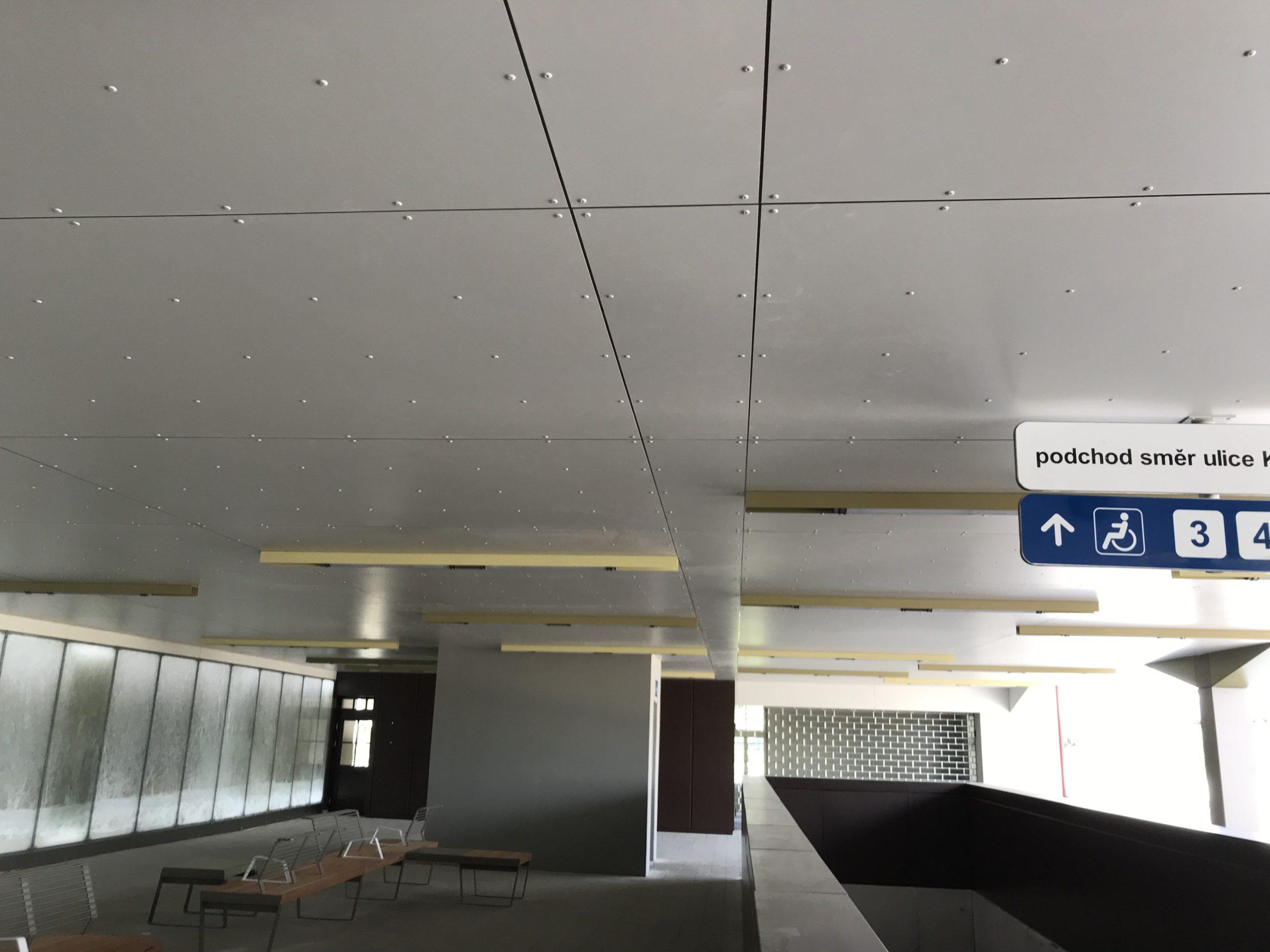 interiér nádraží 2